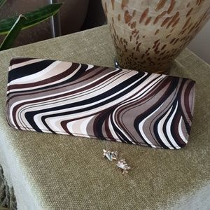 Shiraleah Clutch purse